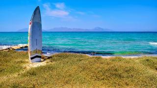 Surfbrett am Strand, Kos, Griechenland