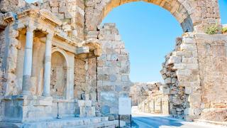 Arch of White Stone, Side, Türkische Riviera