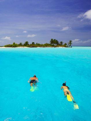 Urlauber können auf den Malediven jede Art von Wassersport betreiben. © Sakis Pa-padopoulos