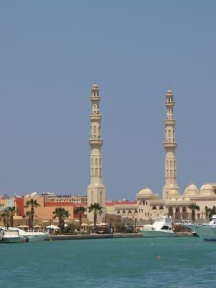 Wahrzeichen von Hurghada: die neue El Mina Moschee © Thomas Zwicker