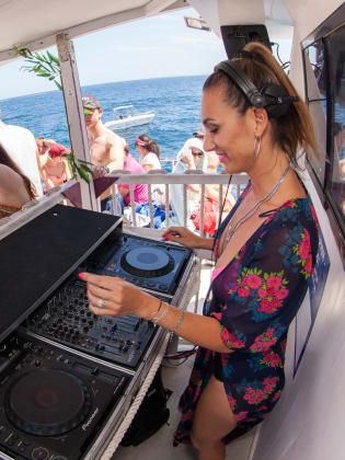 Party Boat Ibiza © Beautiful People Ibiza