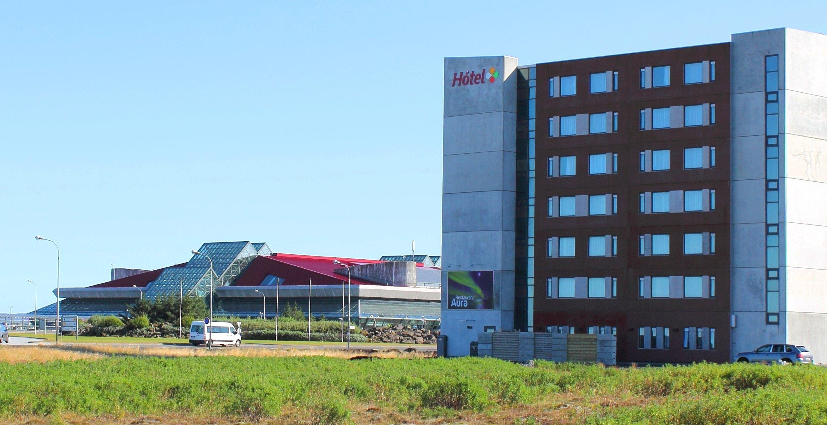 Airport hotel sm ri in keflav k holidaycheck island island for Reykjavik airport hotel
