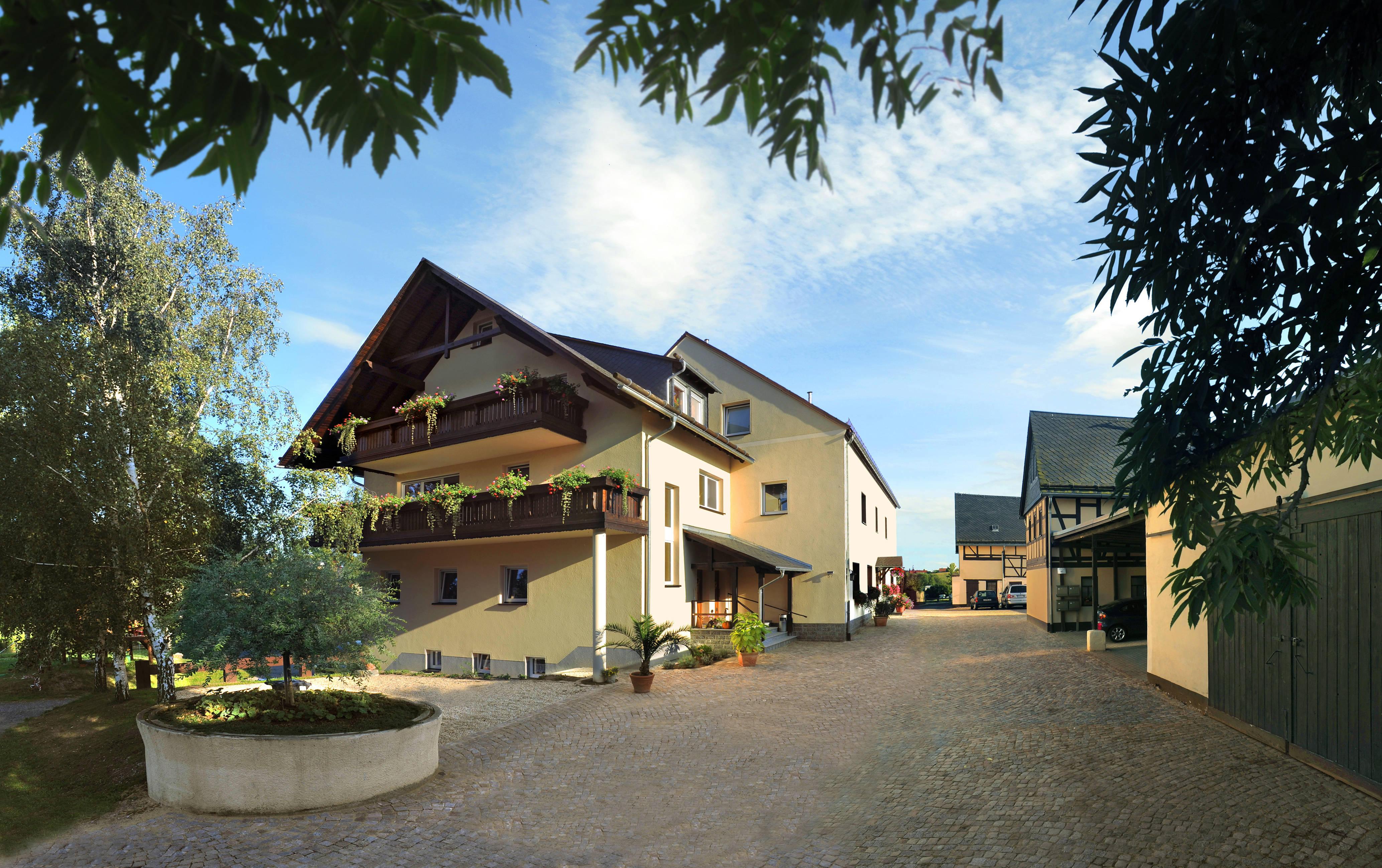 landhotel billing in glauchau holidaycheck sachsen deutschland. Black Bedroom Furniture Sets. Home Design Ideas