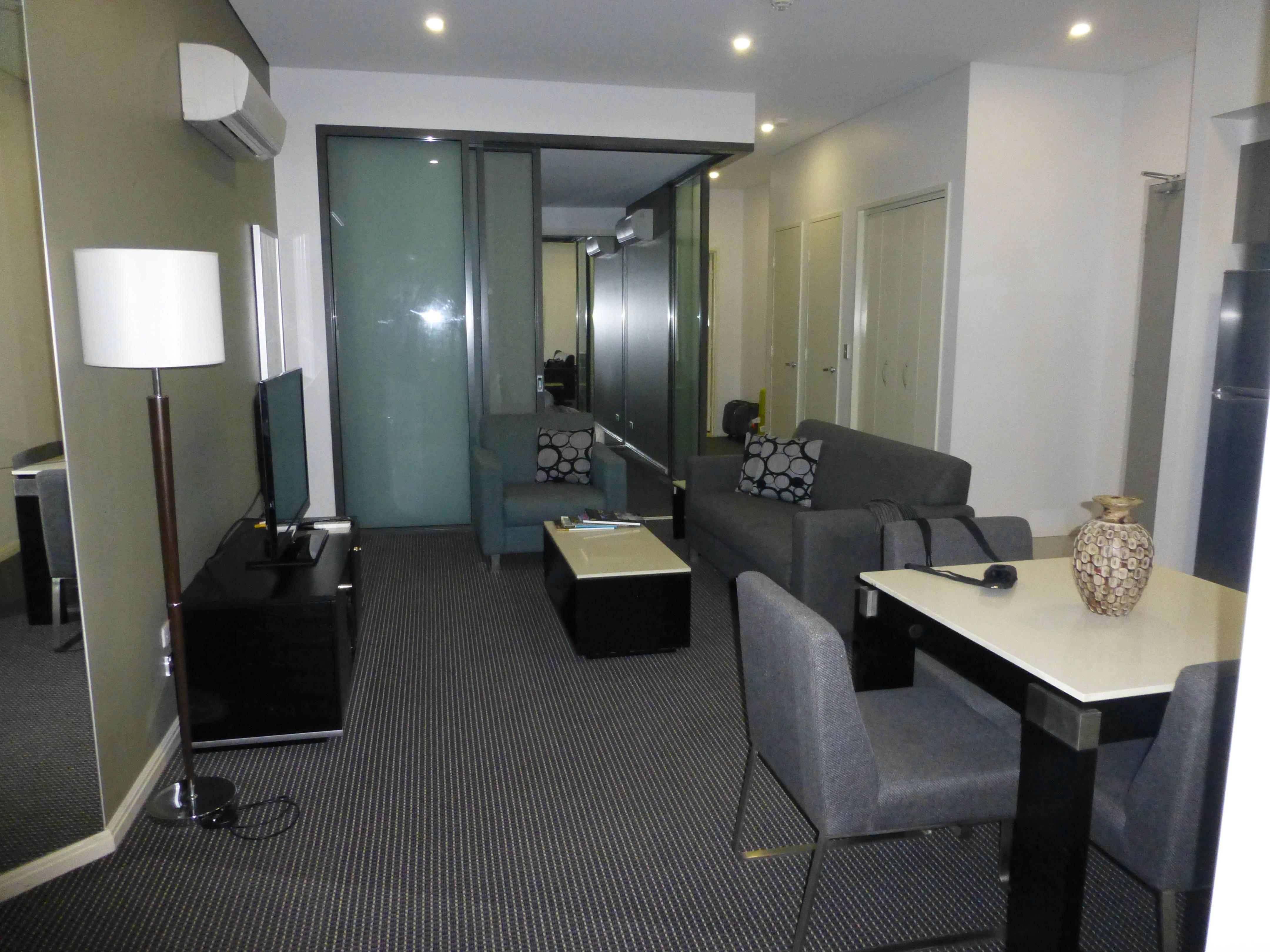 Meriton Serviced Apartments Campbell Street in Sydney ...