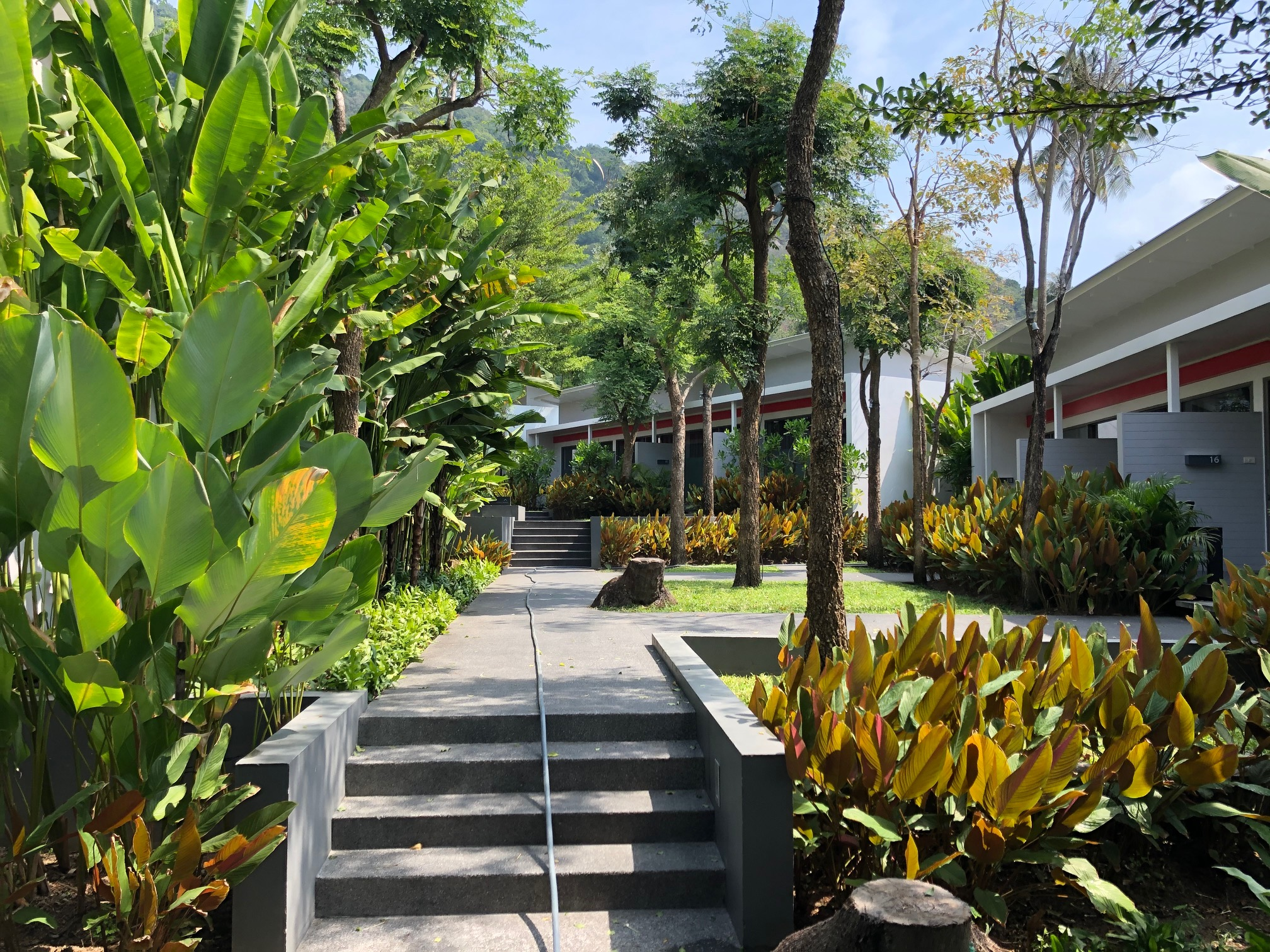 The coast resort in haad rin beach holidaycheck koh for Schickes hotel