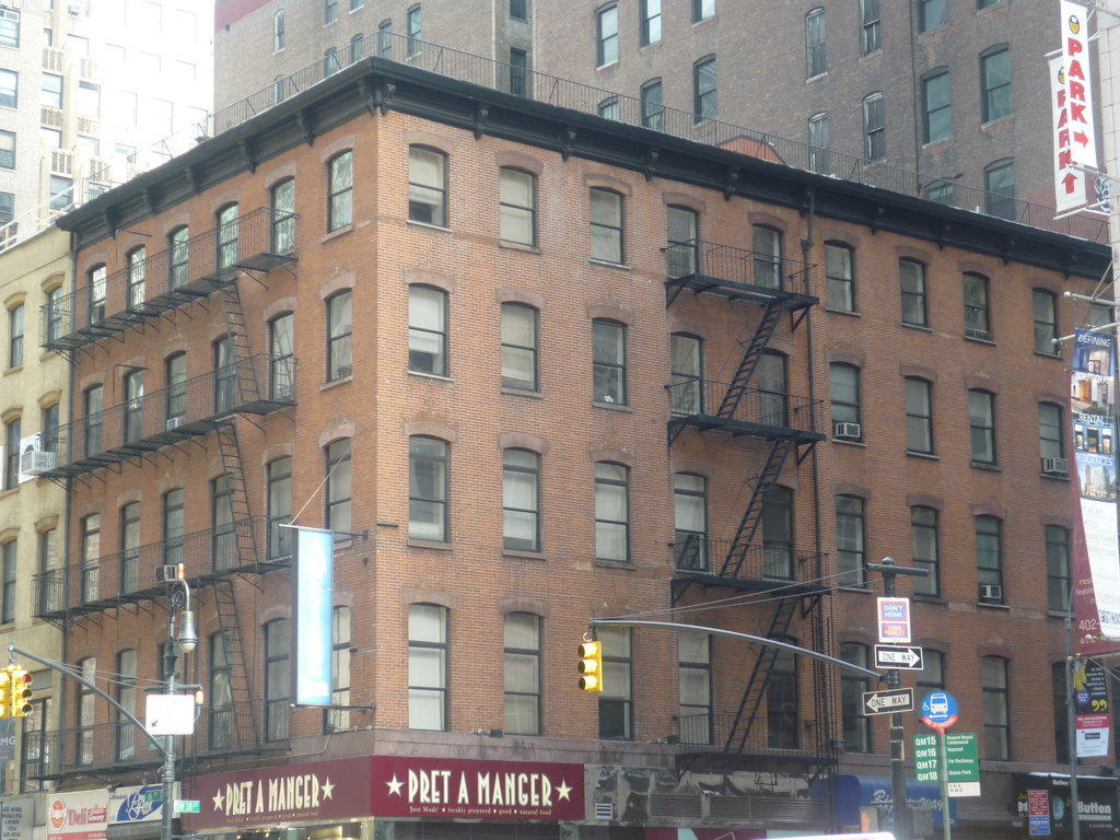 Hotel americana inn in new york manhattan for Americana hotel nyc