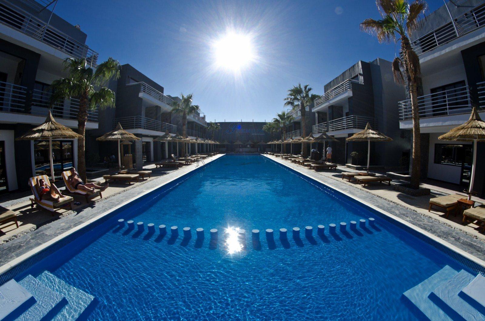 Premium Seagull Hotel Resort