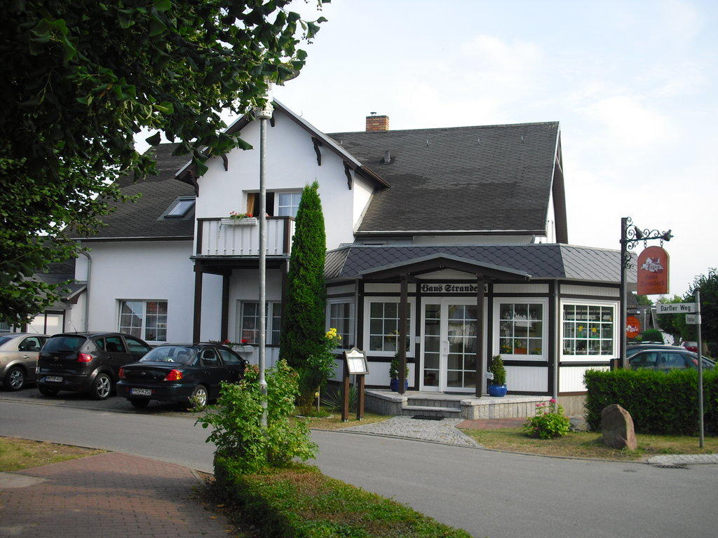 pension haus strandeck in ostseeheilbad zingst holidaycheck mecklenburg vorpommern deutschland. Black Bedroom Furniture Sets. Home Design Ideas