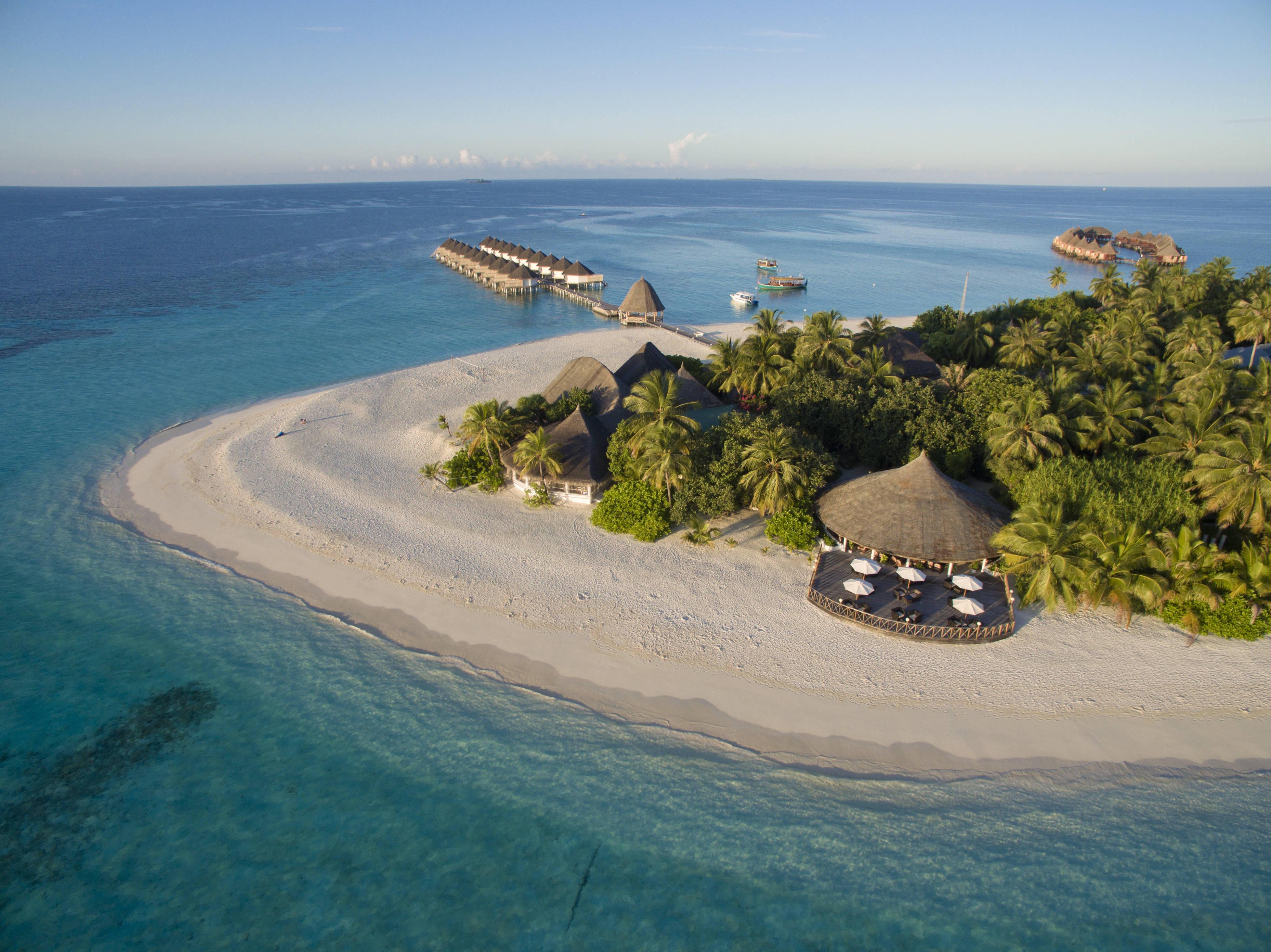 hotel angaga island resort in mahibadhoo holidaycheck. Black Bedroom Furniture Sets. Home Design Ideas