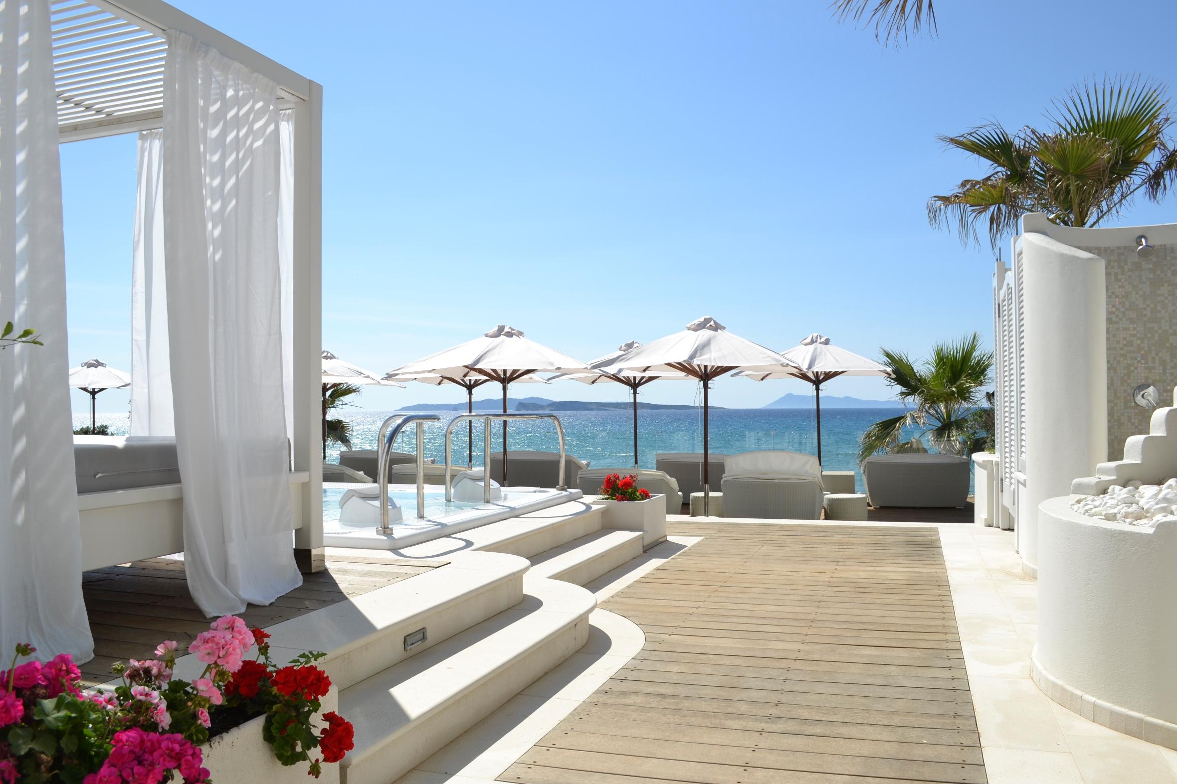 Delfino blu boutique hotel spa in agios stefanos for Boutique hotel am strand