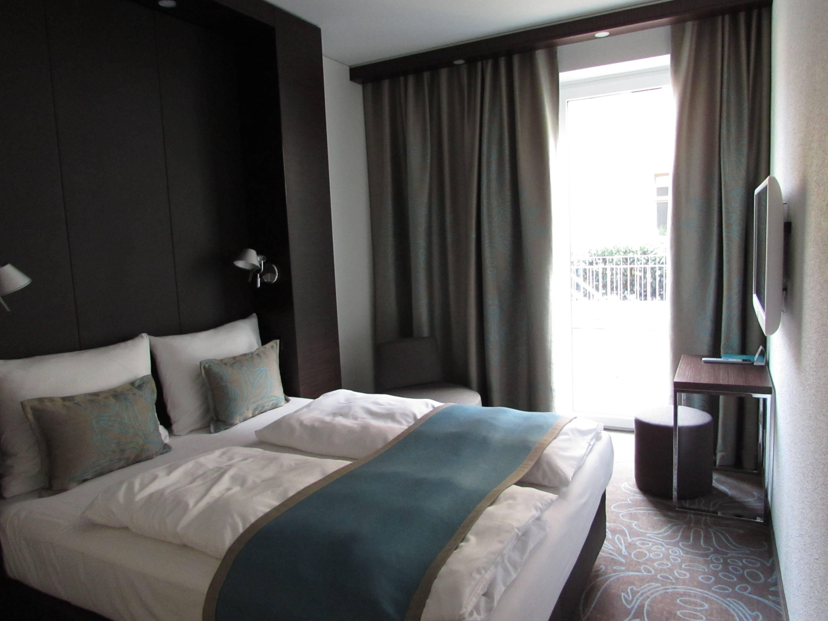 motel one magdeburg in magdeburg holidaycheck sachsen anhalt deutschland. Black Bedroom Furniture Sets. Home Design Ideas