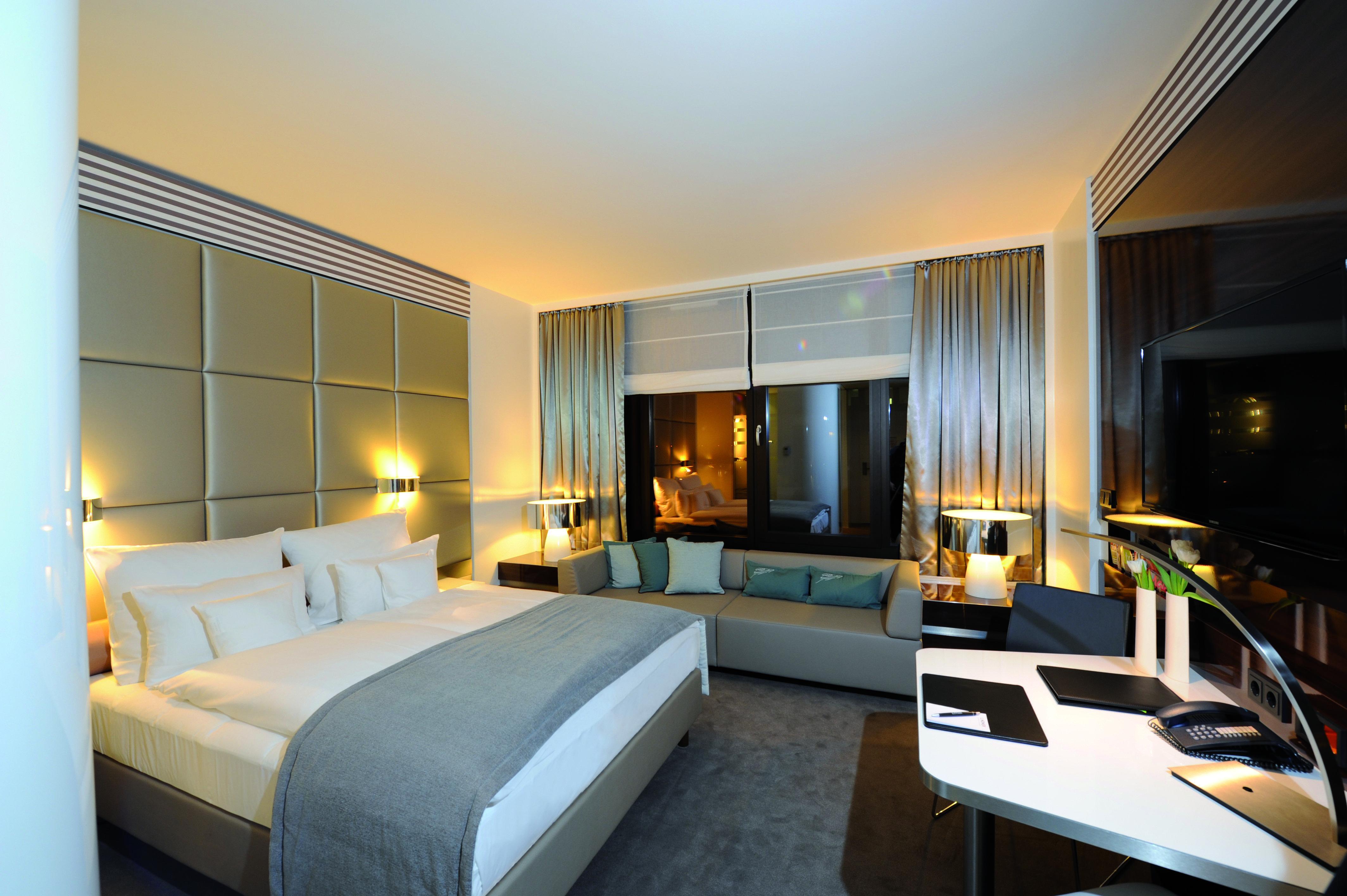 Lindner congress hotel d sseldorf in d sseldorf for Moderne hotels nrw