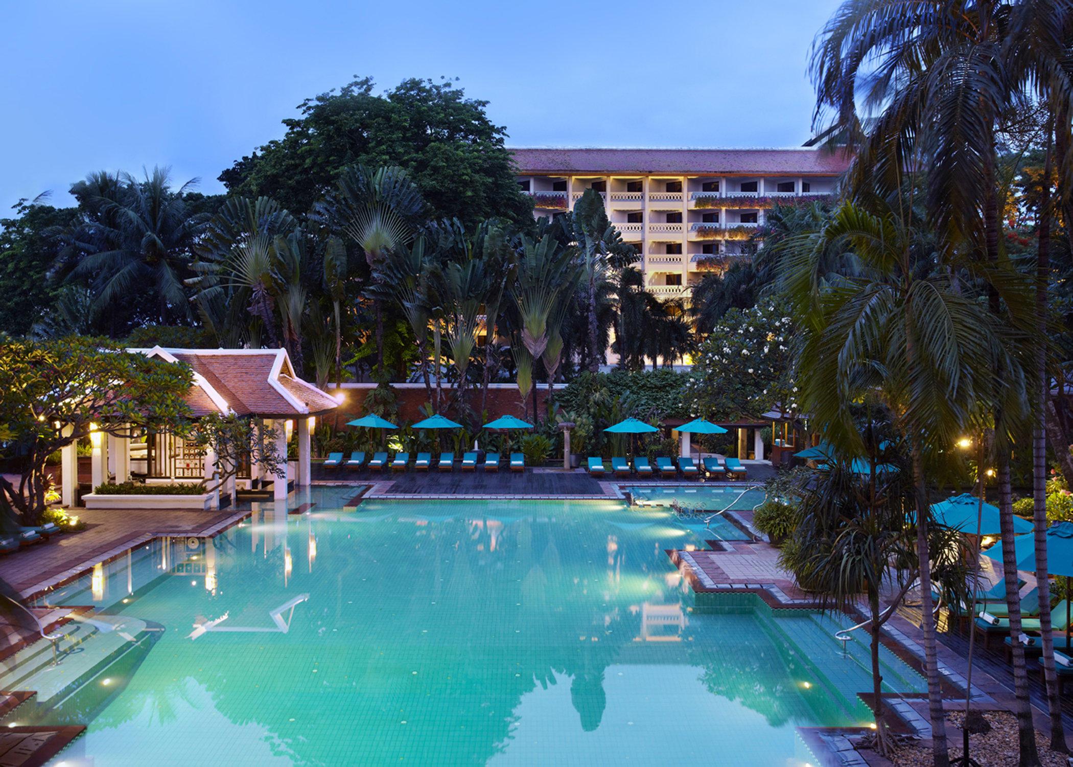 Anantara riverside bangkok resort in bangkok holidaycheck bangkok thailand - Hotel bangkok piscina ...
