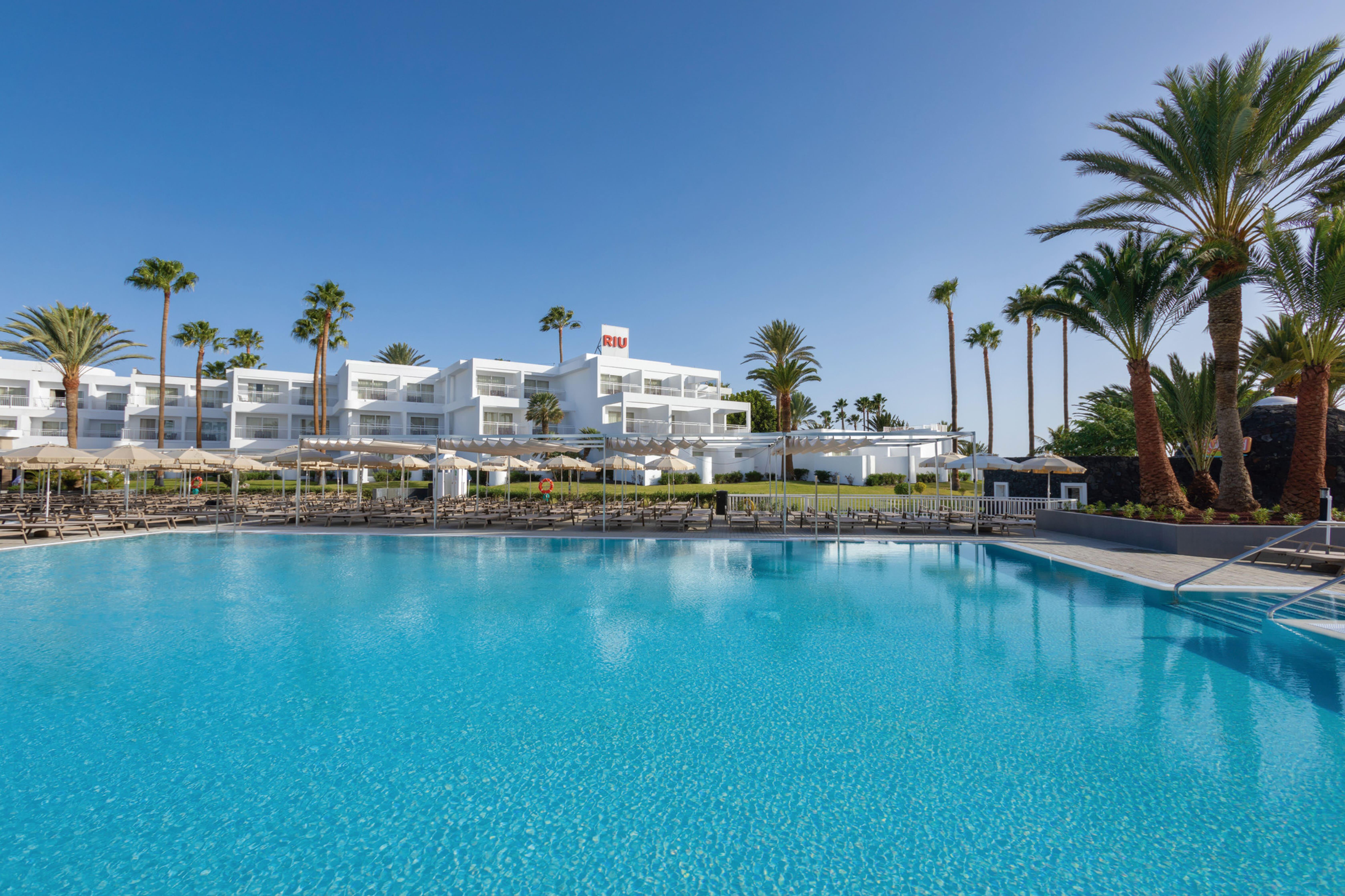 clubhotel riu paraiso lanzarote resort in puerto del