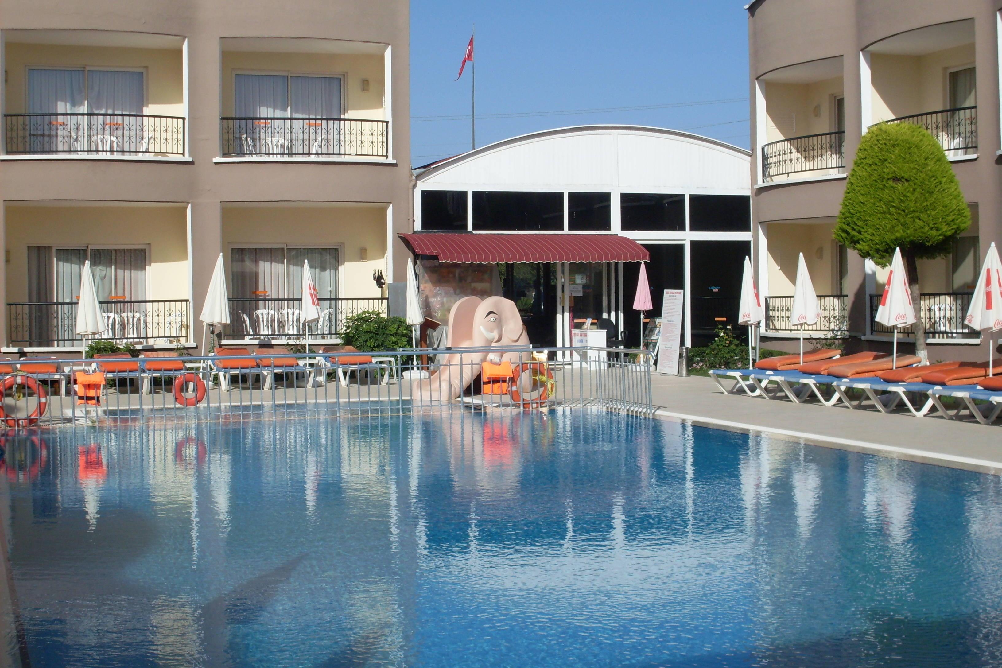Sayanora Hotel Side