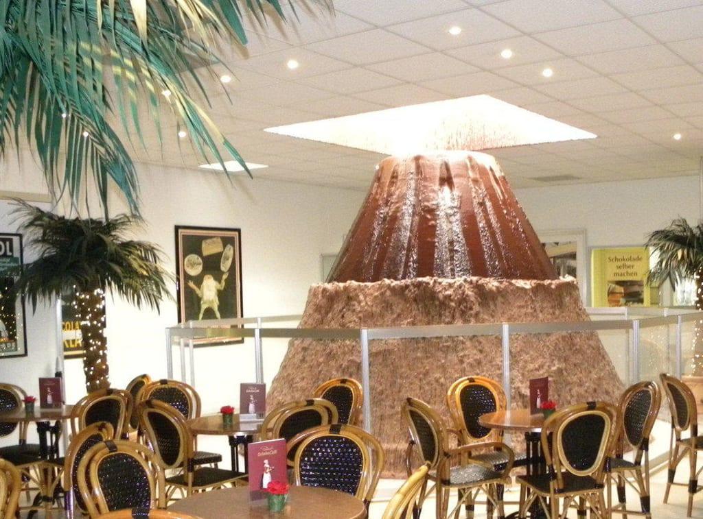 bild innenausstattung schokoladen cafe zu rausch schokoland in peine. Black Bedroom Furniture Sets. Home Design Ideas