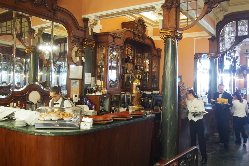 Bild Cafe Majestic Theke Zu Cafe Majestic In Porto