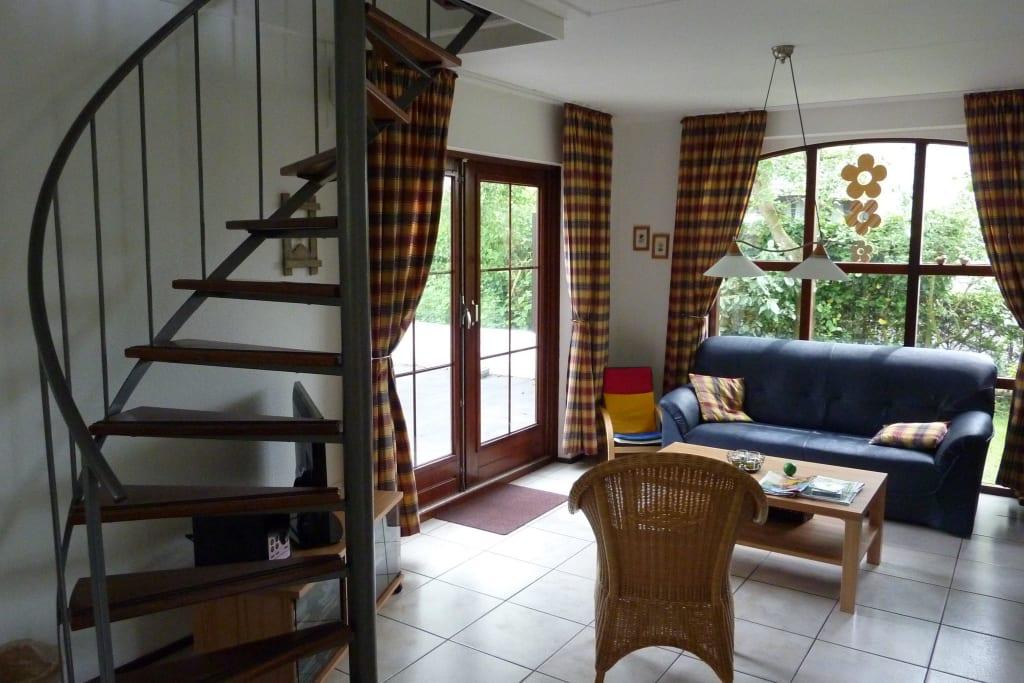 Treppe im wohnzimmer: treppen designs 105 absolute eyecatcher im ...