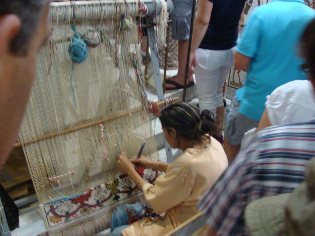 Bild Teppich knüpfen zu Zentralmarkt in Tunis