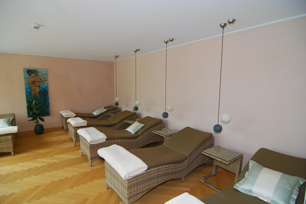 bild sauna ruheraum zu villa h gel in trier. Black Bedroom Furniture Sets. Home Design Ideas