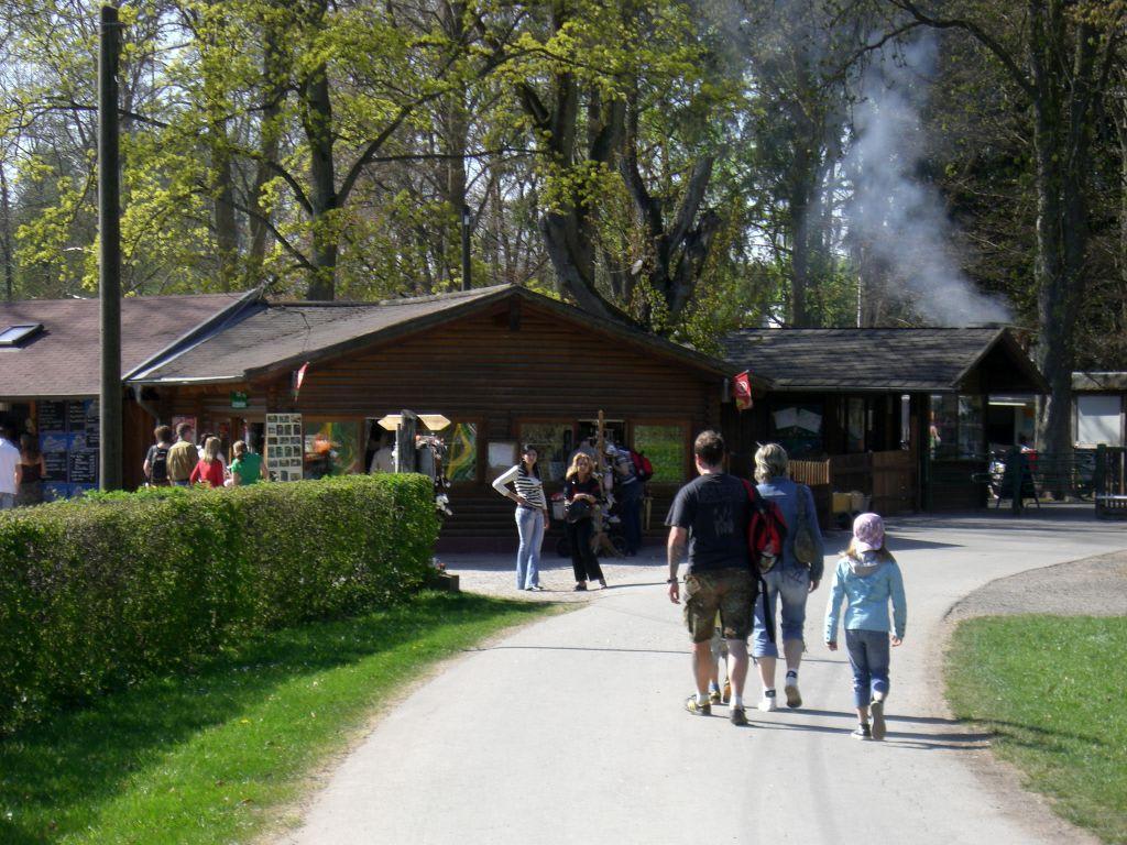 schloss tambach wildpark