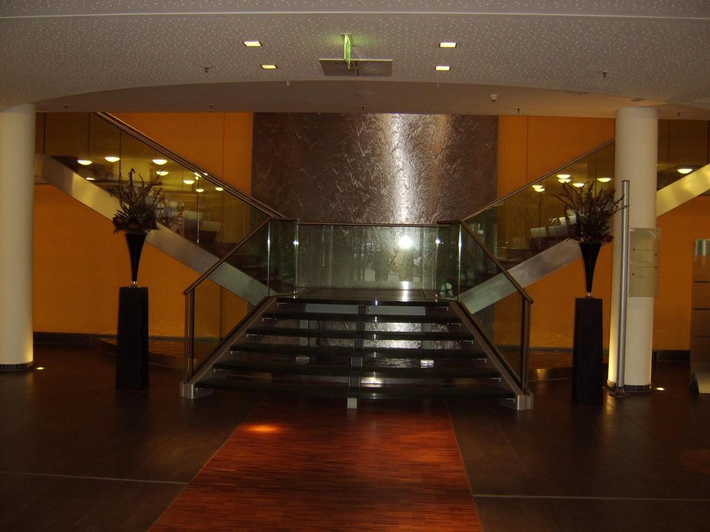 bild lobby zu hotel centrovital in berlin spandau. Black Bedroom Furniture Sets. Home Design Ideas