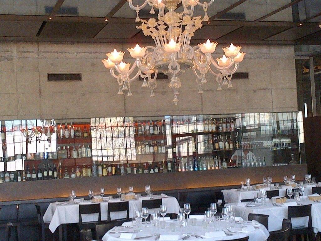 Bild traum kronleuchter zu restaurant la salle in z rich for Resto lasalle