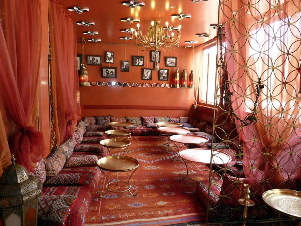 bild ein orientalischer traum zu cafe arabe in marrakesch. Black Bedroom Furniture Sets. Home Design Ideas