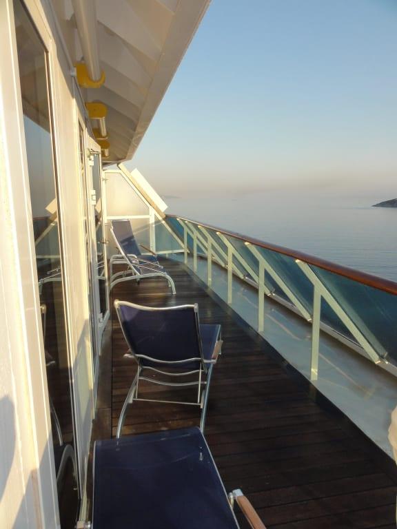 Langer Schmaler Balkon.Bild Langer Schmaler Balkon Im Heck Zu Costa Atlantica In