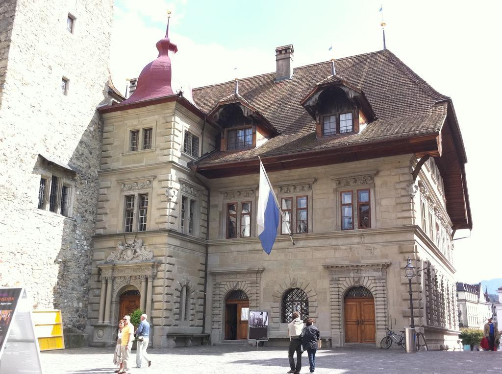 Bild oggi la sede del parlamento cantonale zu for Votazioni parlamento oggi