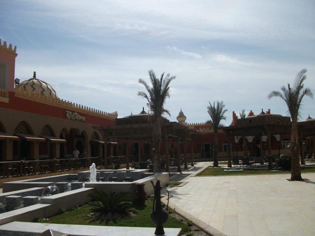 Bild sch ne gartengestaltung zu hotel fantasia 1001 for Gartengestaltung orientalisch