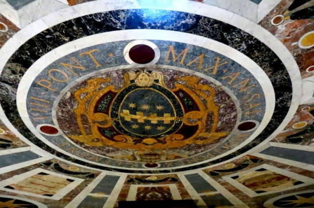 Fußboden Im Petersdom ~ Bilder marmor mosaik im fußboden reisetipps