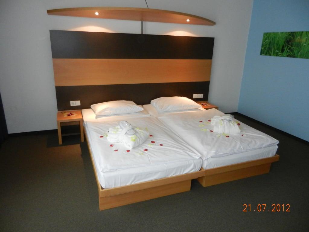 Bett romantisch dekoriert