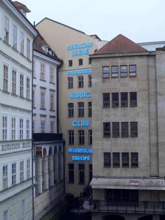 Bild Größte Disco Central Europas zu Karlovy Lazne in