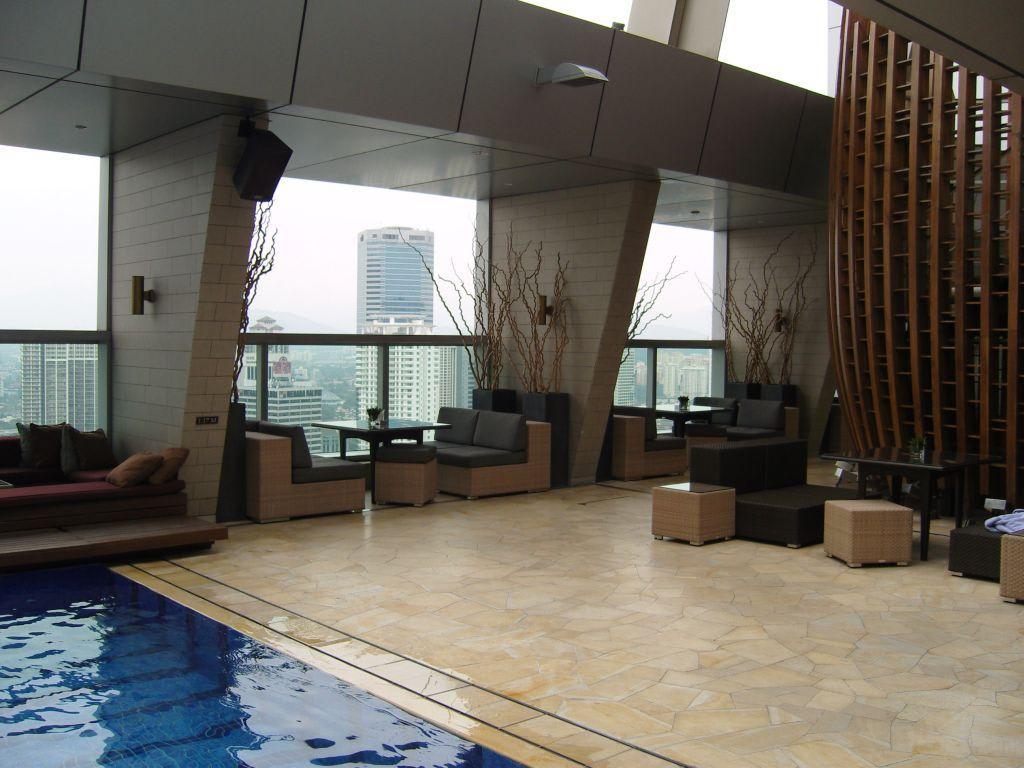 bild stilvolle einrichtung zu skybar traders hotel in. Black Bedroom Furniture Sets. Home Design Ideas