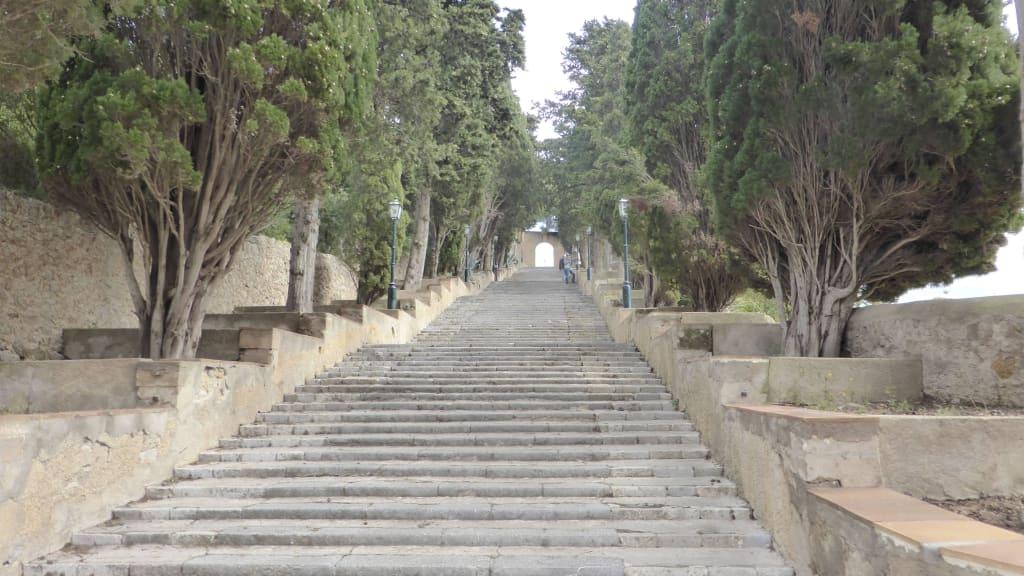 Bild Schon Wieder Treppen Zu Altstadt Arta In Arta