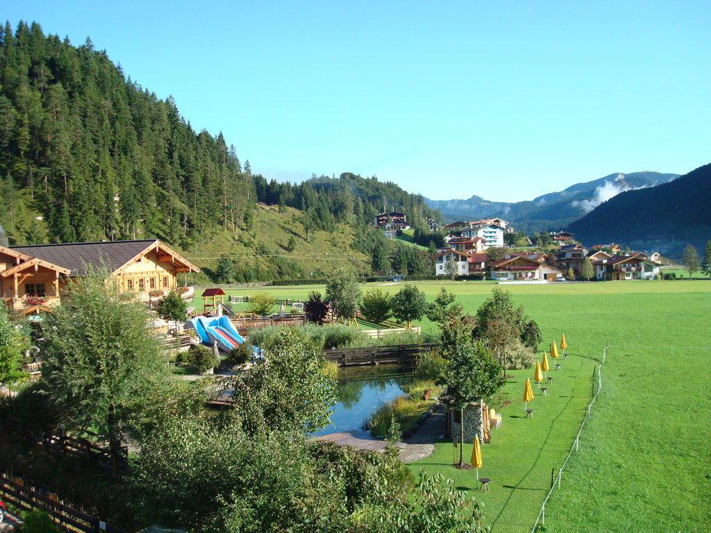 bild seealm kleiner achensee zu familienparadies sporthotel achensee in achenkirch. Black Bedroom Furniture Sets. Home Design Ideas