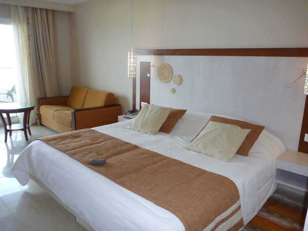 bild gute harte matratzen zu iberostar hotel royal el mansour thalasso in mahdia. Black Bedroom Furniture Sets. Home Design Ideas