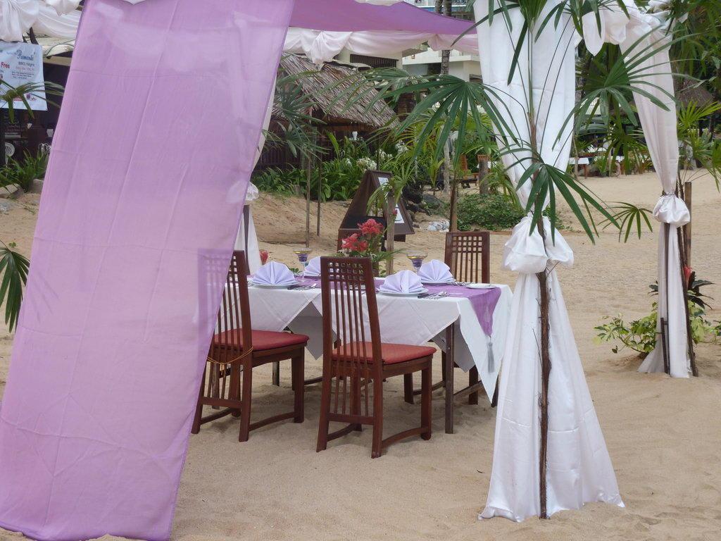 Honeymoon Dinner am Strand Bilder Hotel-Strand Hotel Khao Lak Palm Beach Resort