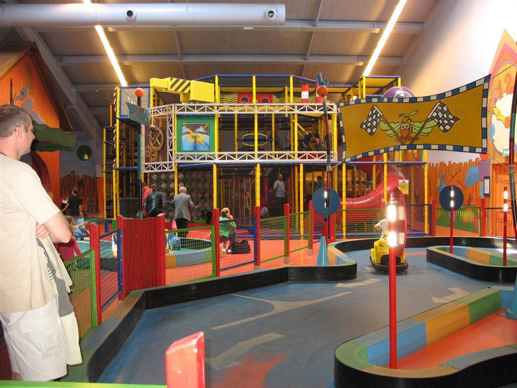 bild indoor spielplatz kids factory zu center parcs park eifel in gunderath. Black Bedroom Furniture Sets. Home Design Ideas