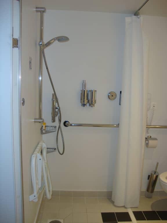 Bild Grosse Dusche Zu Msc Preziosa In