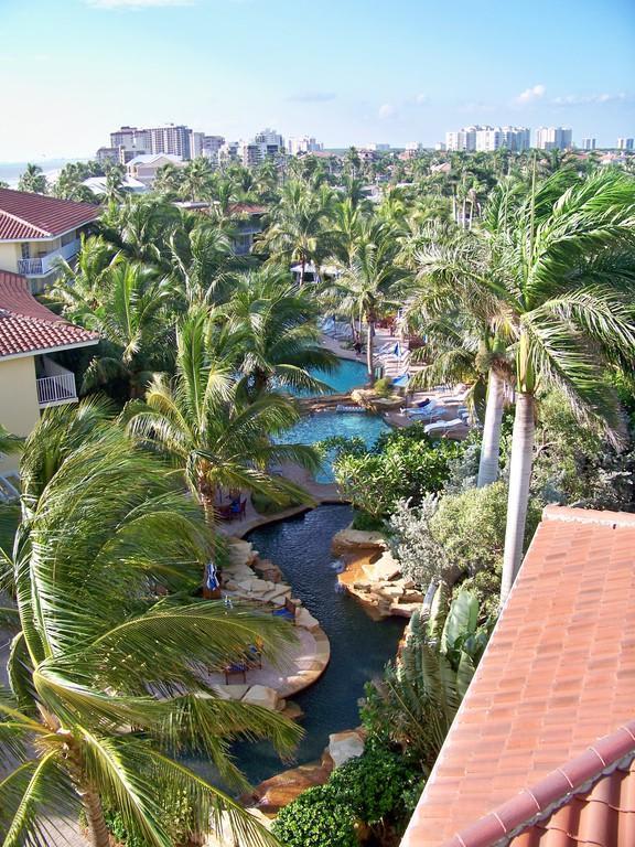 bild pool landschaft von oben zu hotel laplaya beach. Black Bedroom Furniture Sets. Home Design Ideas