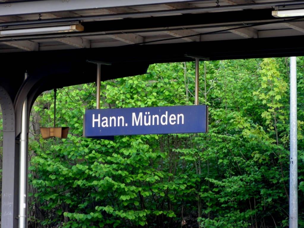 Bahnhofsschild Bilder Sonstige Gebäude Bahnhof Hann. Münden