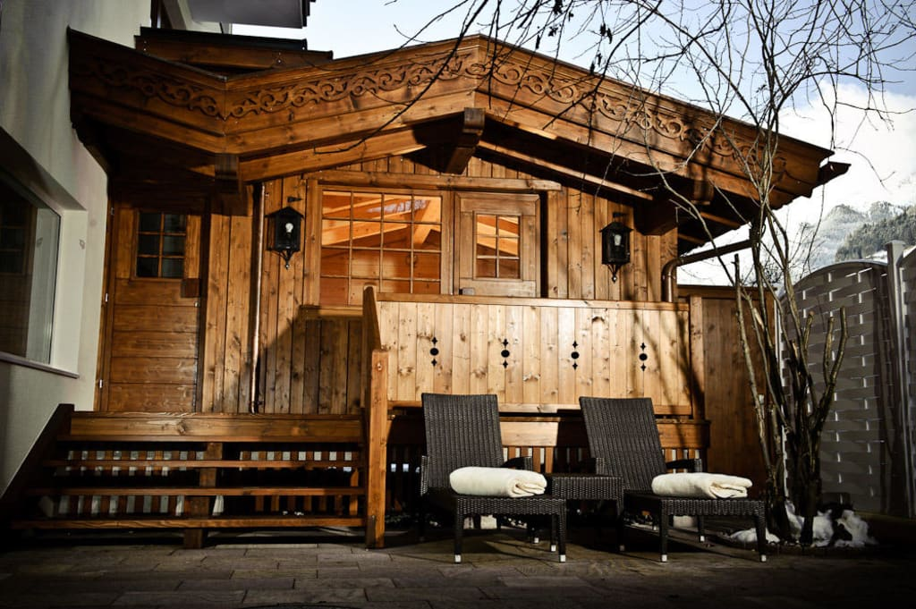 bild sauna im freien zu sporthotel neustift in neustift stubaital. Black Bedroom Furniture Sets. Home Design Ideas