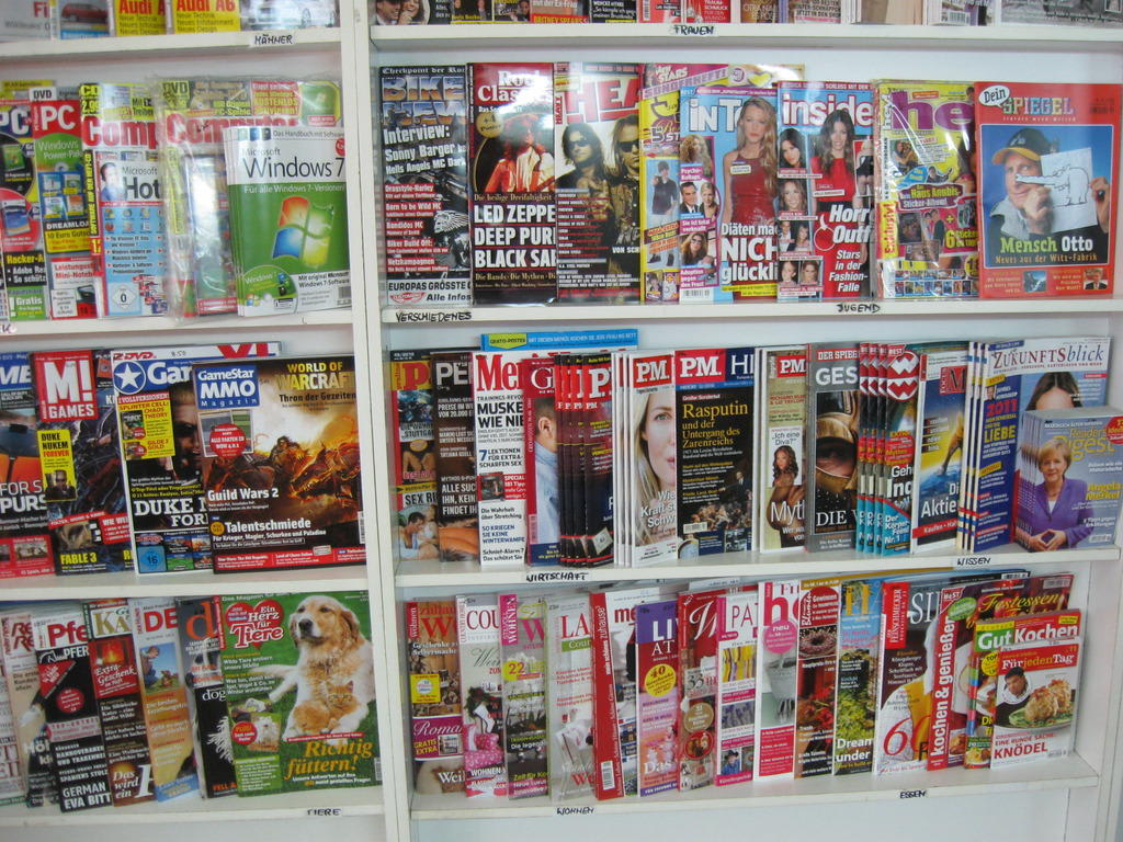 bild zeitschriften zu deutsche buchhandlung in costa calma. Black Bedroom Furniture Sets. Home Design Ideas
