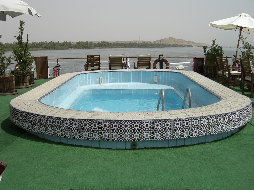 Bild Kleiner Pool Zu Club Vision In