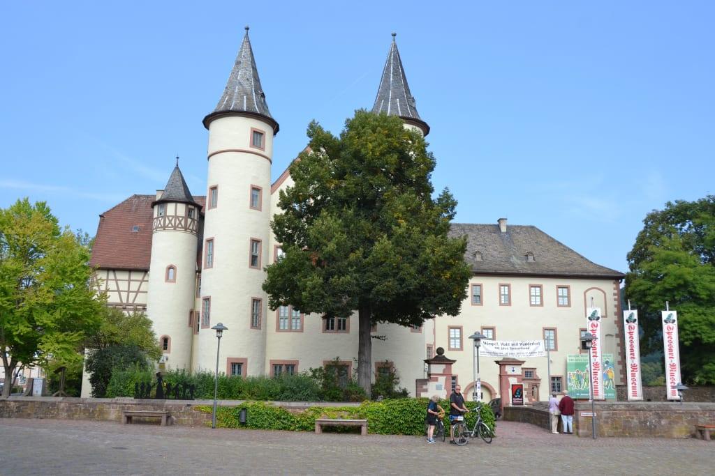 Bild schneewittchen schloss zu altstadt lohr am main in for Heimbach lohr am main