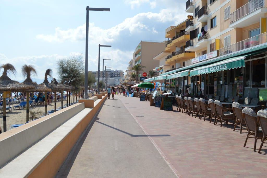 bild strandpromenade zu strandpromenade can picafort in. Black Bedroom Furniture Sets. Home Design Ideas