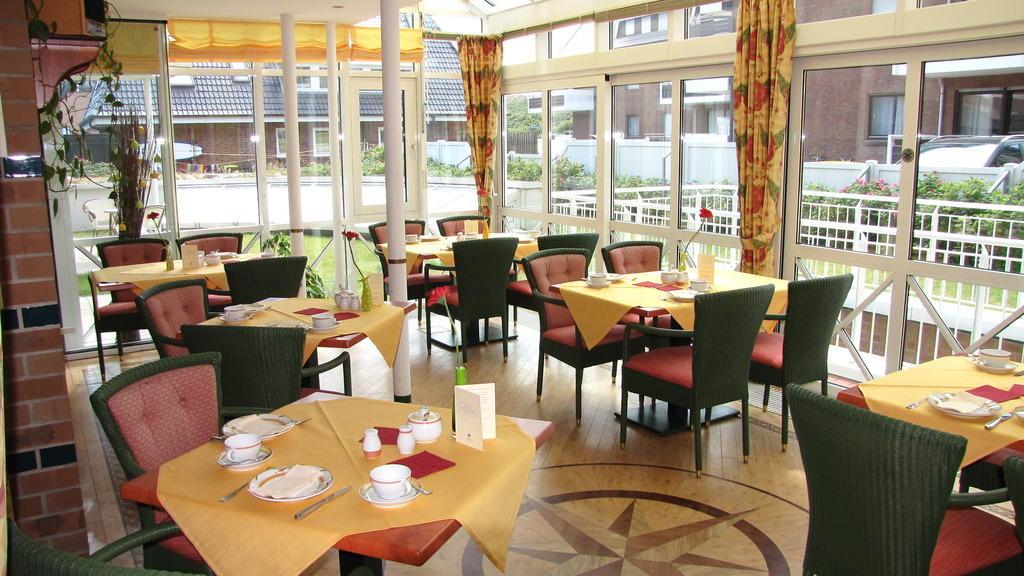 bild fr hst ck im wintergarten zu hotel strandhotel sylt in westerland sylt. Black Bedroom Furniture Sets. Home Design Ideas