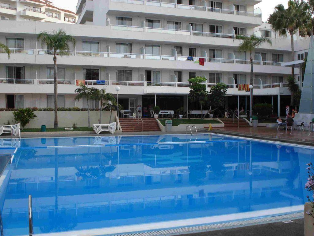 Bild piscina zu hotel catalonia oro negro in playa de for Alberca las americas